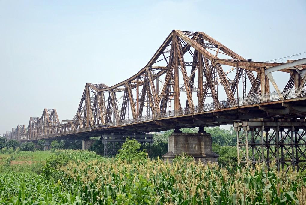 Long Bien Bridge in Hanoi