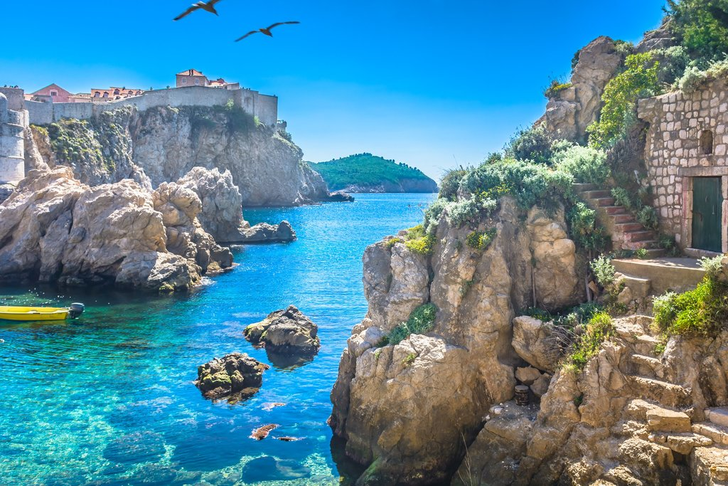 Paddle in the Adriatic bay admiring Dubrovnik's coastline