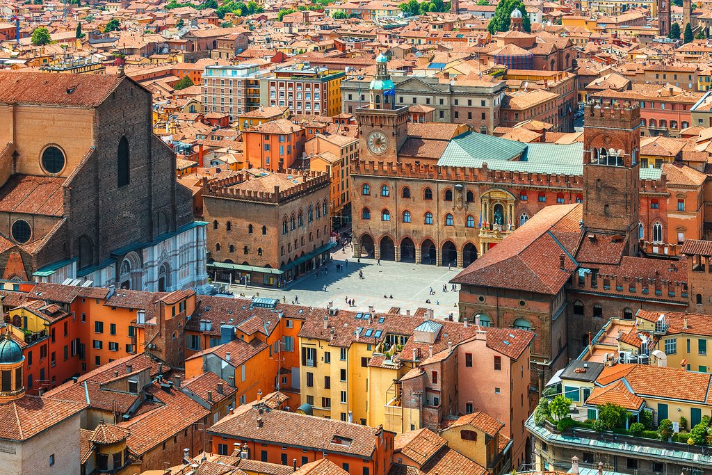 Ultimate Guide to Bologna: Churches, Towers, and Culinary Delights