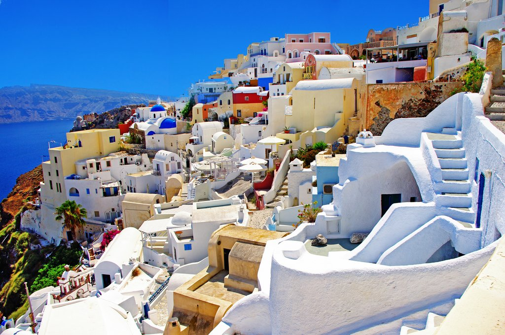 The beautiful buildings of Santorini