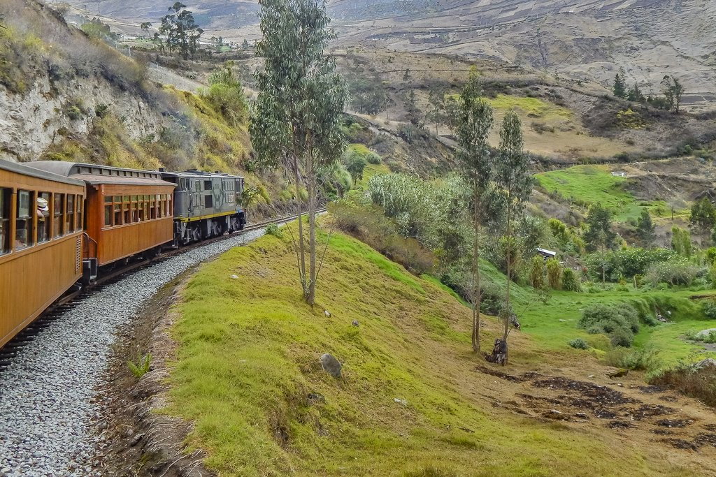 One of the Ecuador's dramatic train rides, the Naríz del Diablo