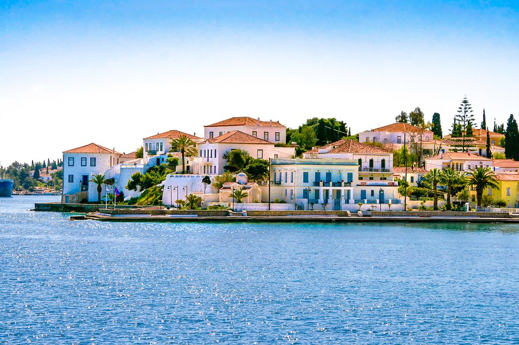 Relax in the Saronic Islands