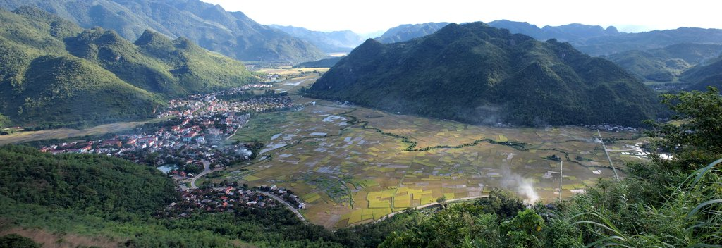 The idyllic valley of Hoa Binh Province is famous for its bucolic valleys and magnificent caves