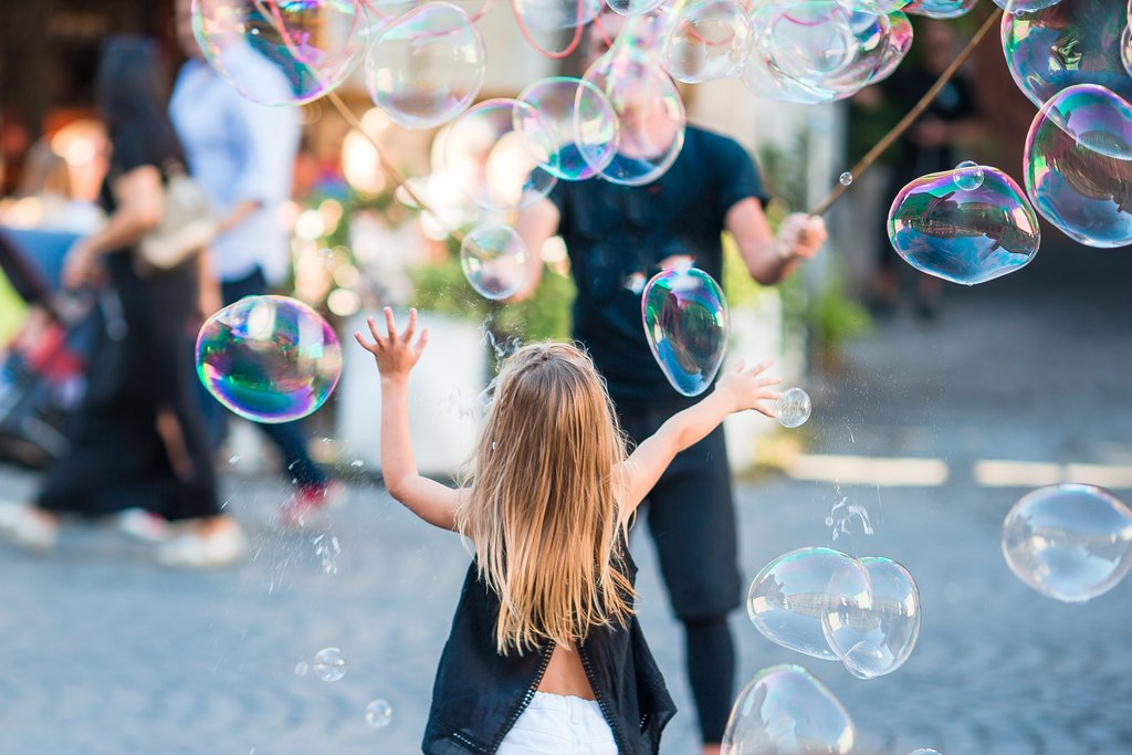 Endless Fun with Bubbles in Trastevere, Rome