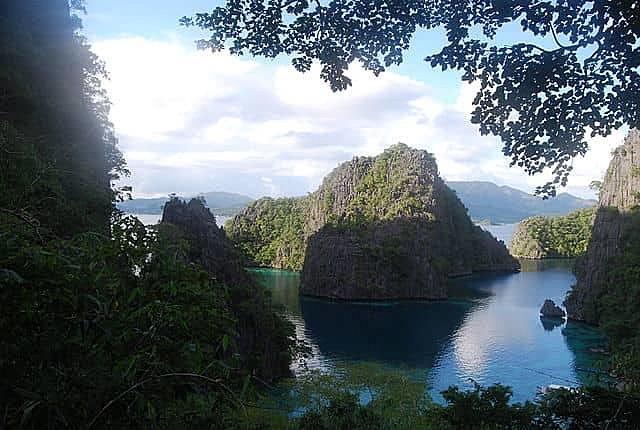 Hidden Lagoon in Coron