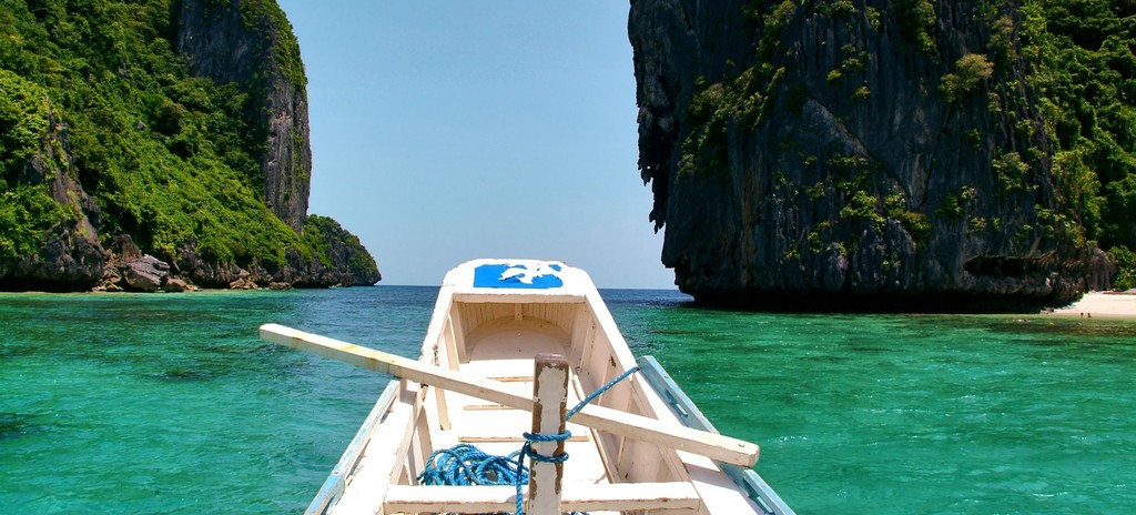 Discover the tropical beauty of Palawan