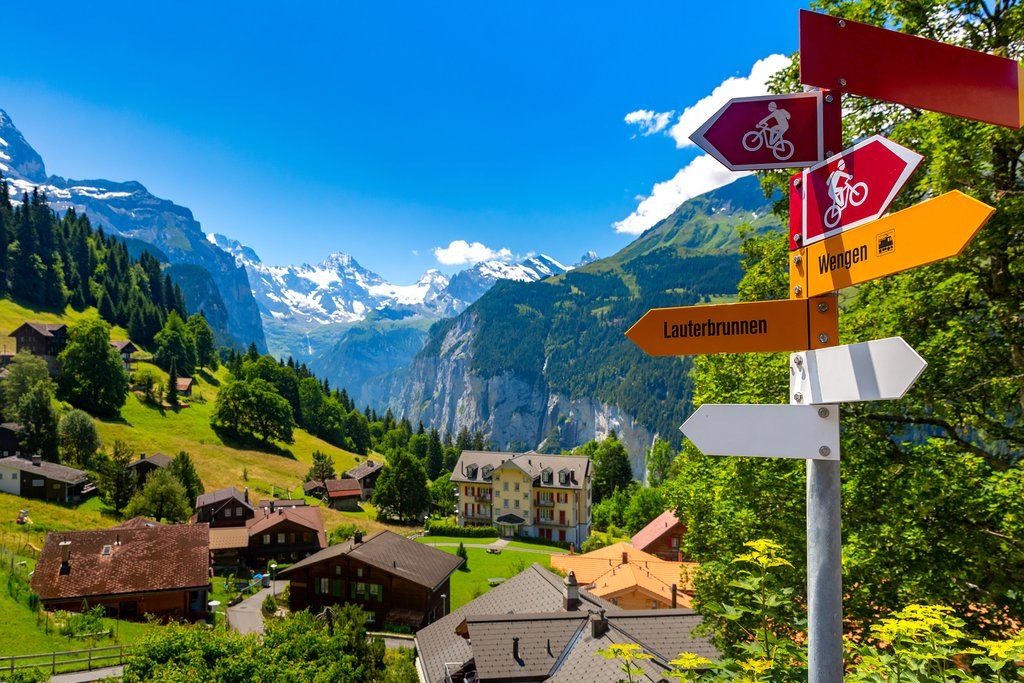 On the approach to Lauterbrunnen