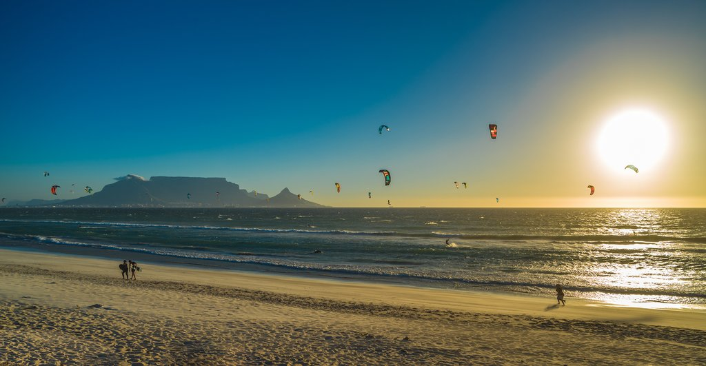 Kite surfers in Table Bay