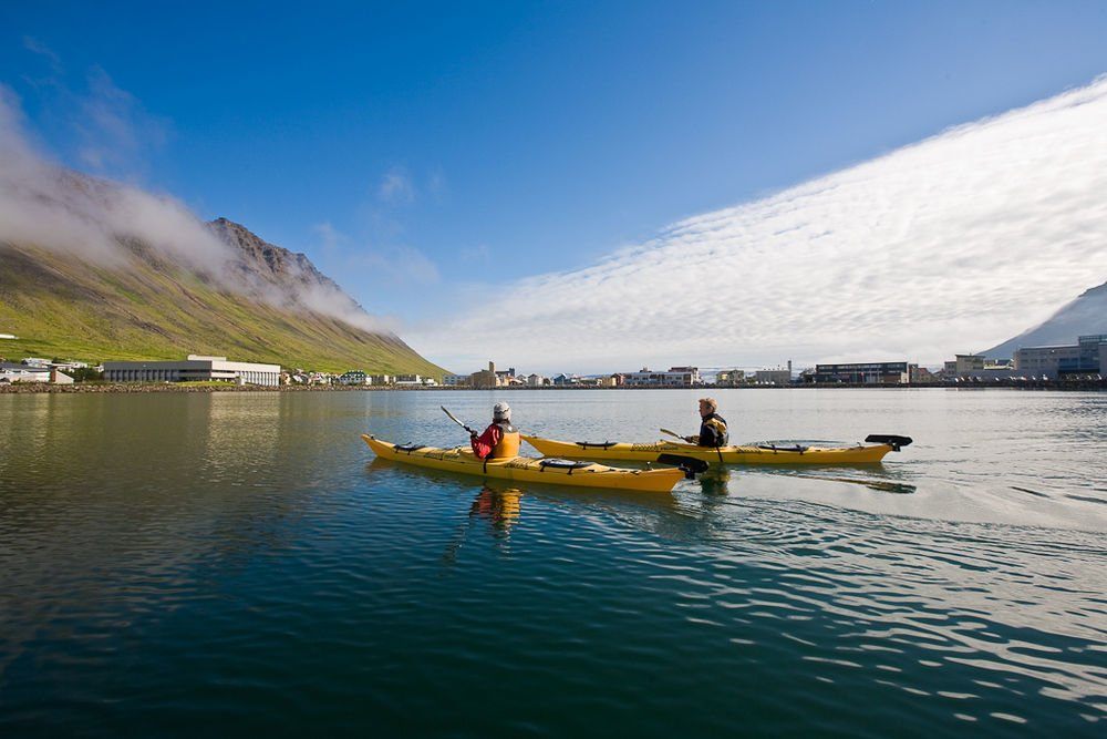 Calm water kayaking in Ísafjörður (photo by Borea Adventures)