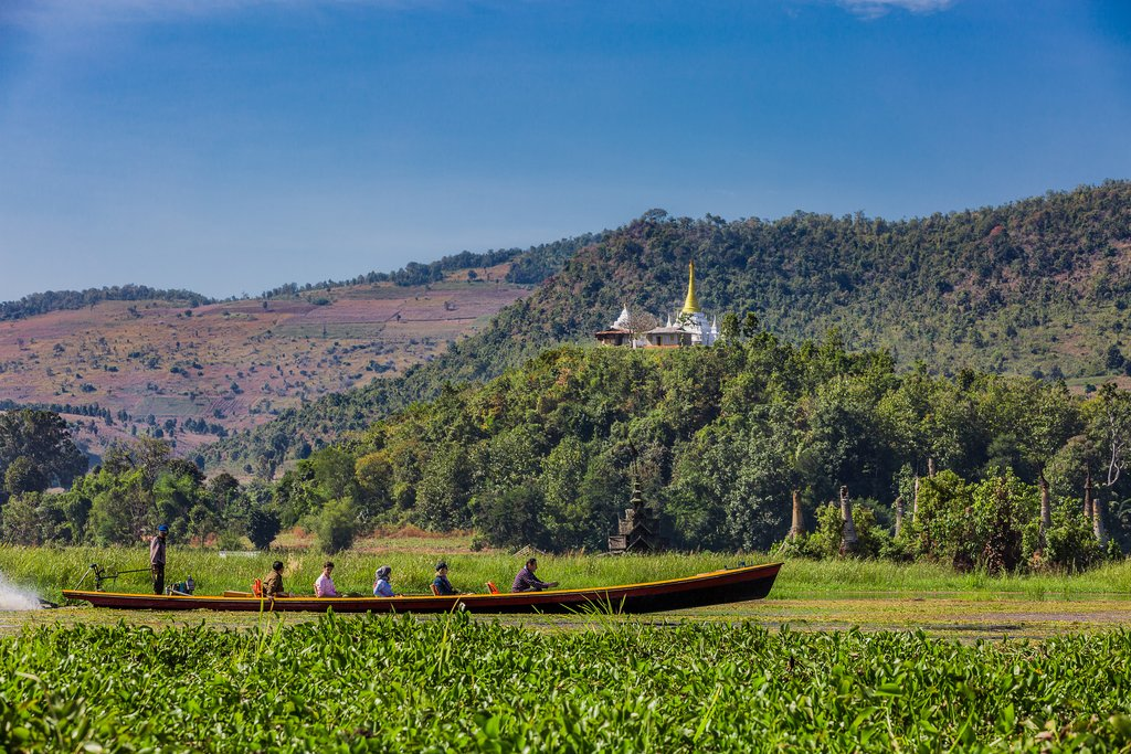 Tourists on a boat in the Shan State
