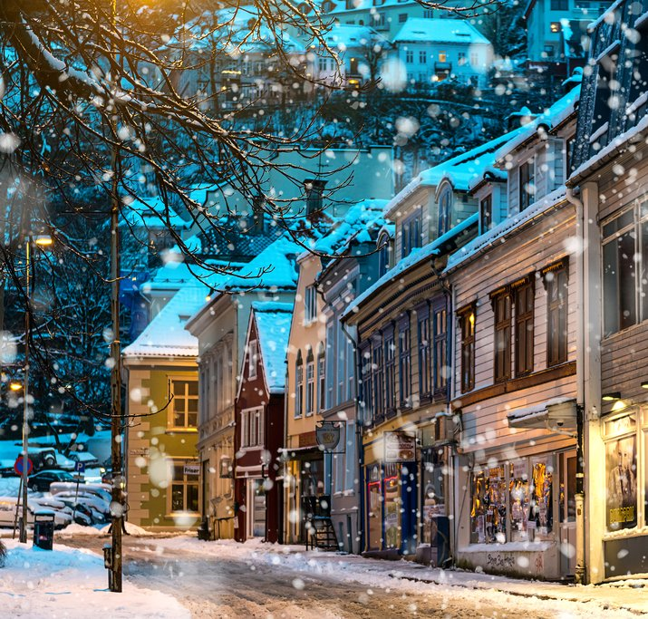 A pretty snowfall in the historic waterfront city of Bergen