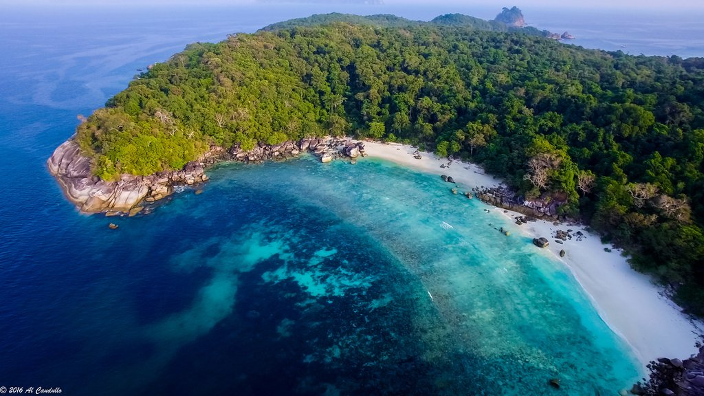 Turquoise water and white sand beaches in Myeik