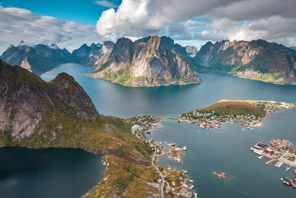 A summer evening in the village of Reine