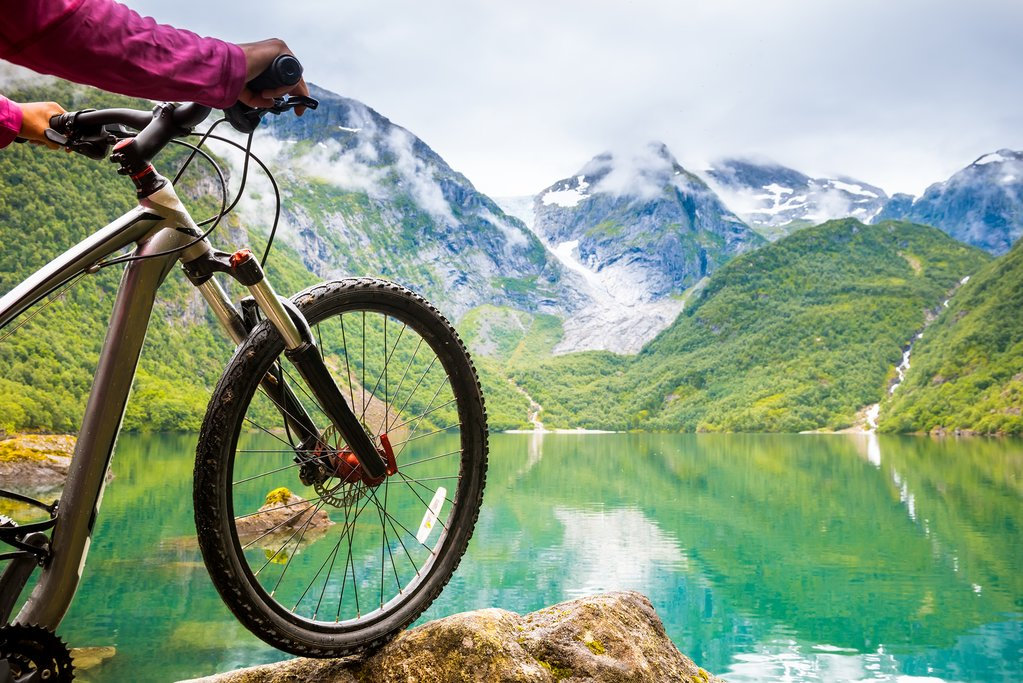 Cycling along Norway's fjords