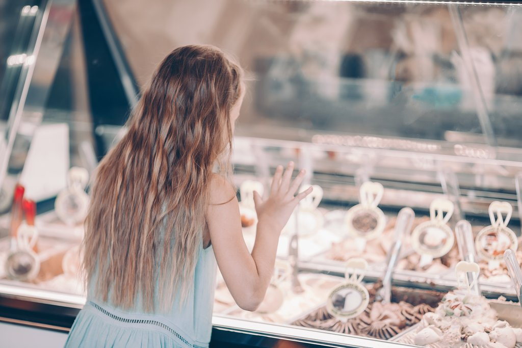Selecting the perfect gelato flavor