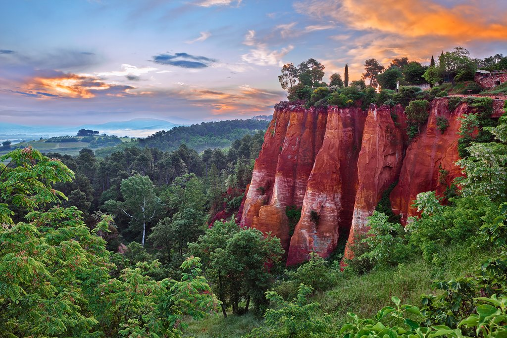 Hike the Ochre Trail in Roussillon