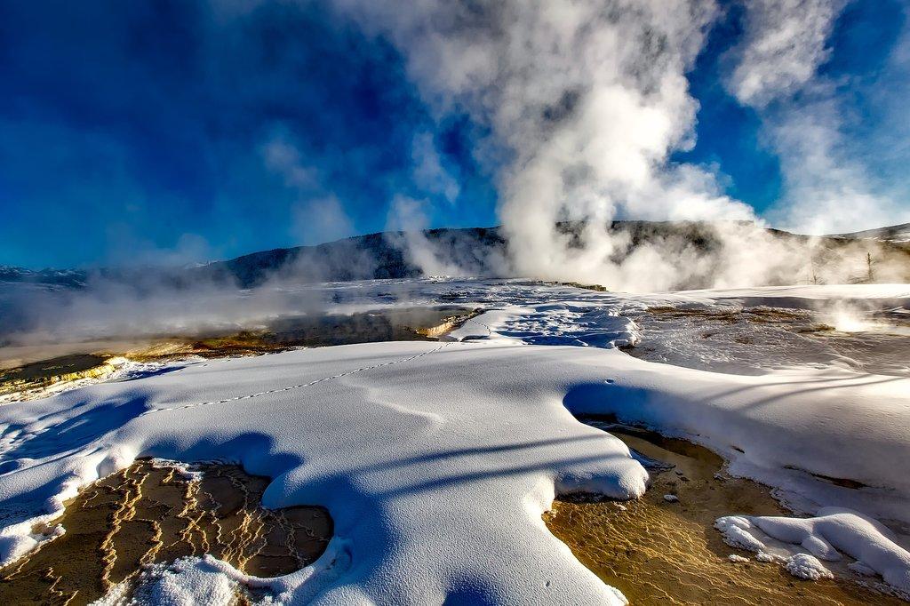 Winter Adventure In Yellowstone National Park 7 Days Kimkim