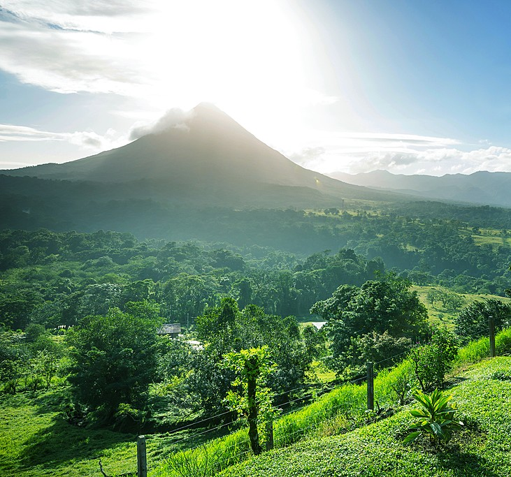 Ultimate Guide to Visiting Arenal: Costa Rica's Most Famous Volcano