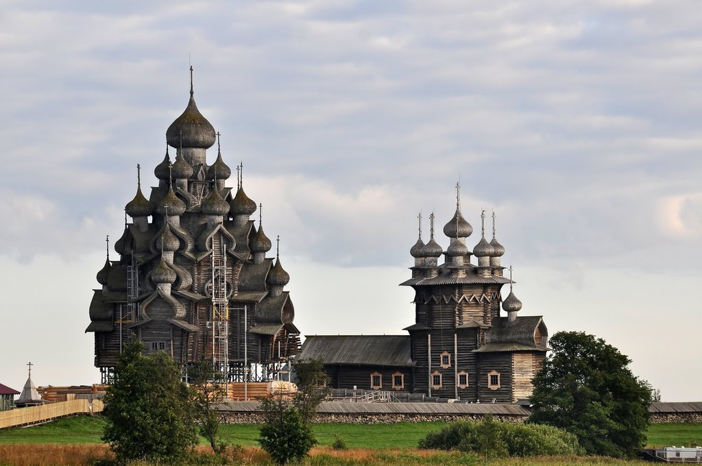Wooden churches in Khizhi