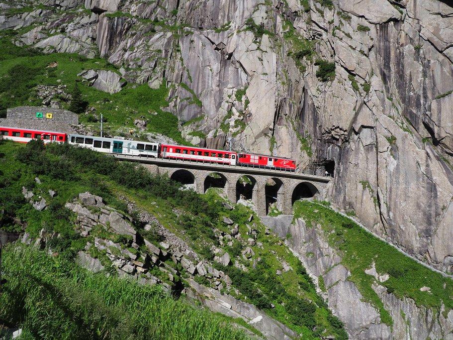 Gotthard train