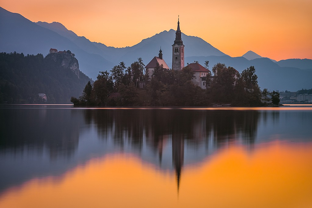 A sunrise view in Lake Bled