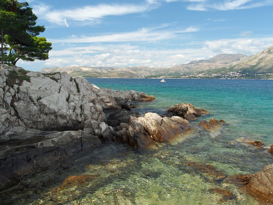 Cavtat Peninsula shore looking north