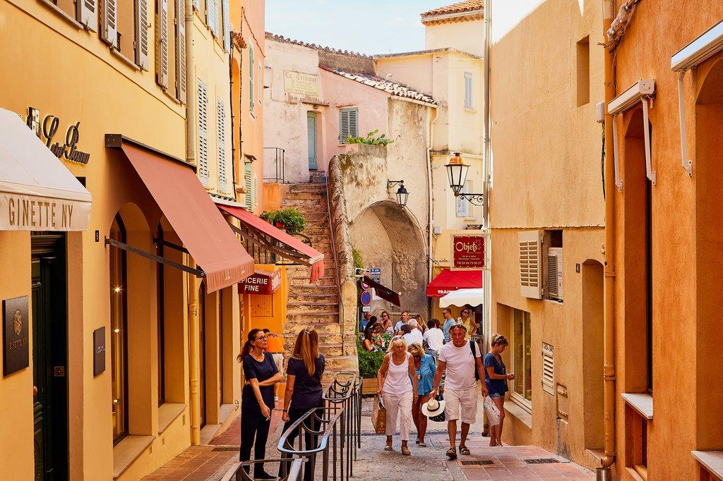 Shopping street in Saint Tropez