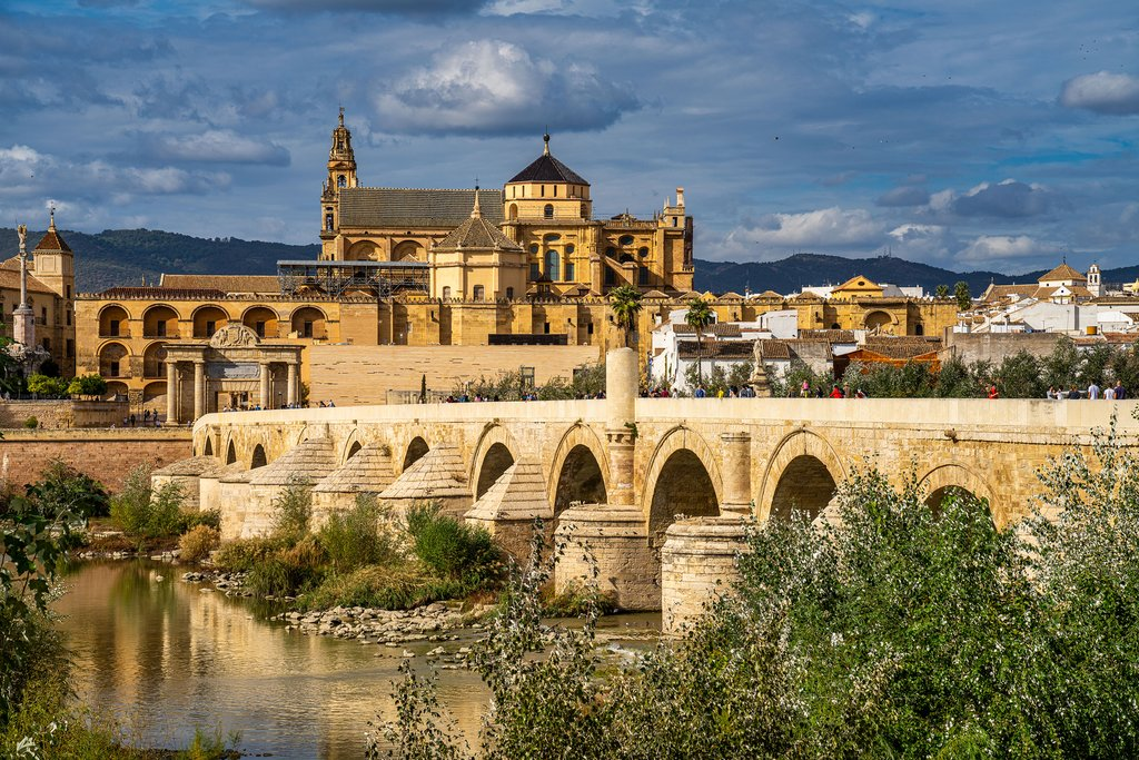 Views of the Mezquita-Catedral and Puente Romano