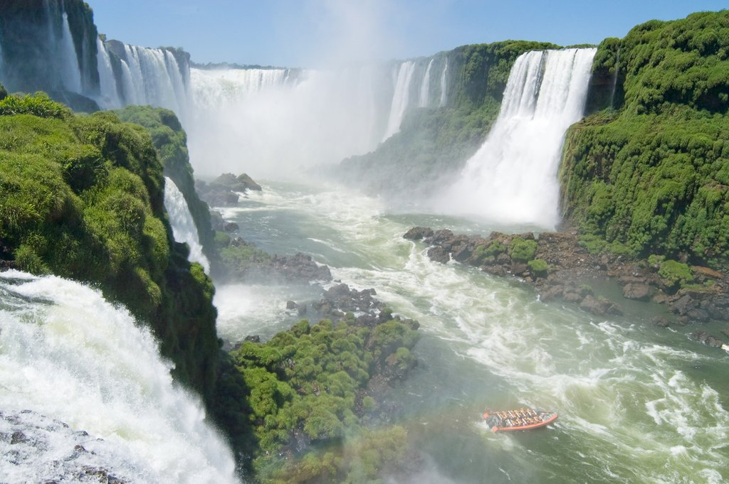 Boat trip under the mighty Iguazú Falls