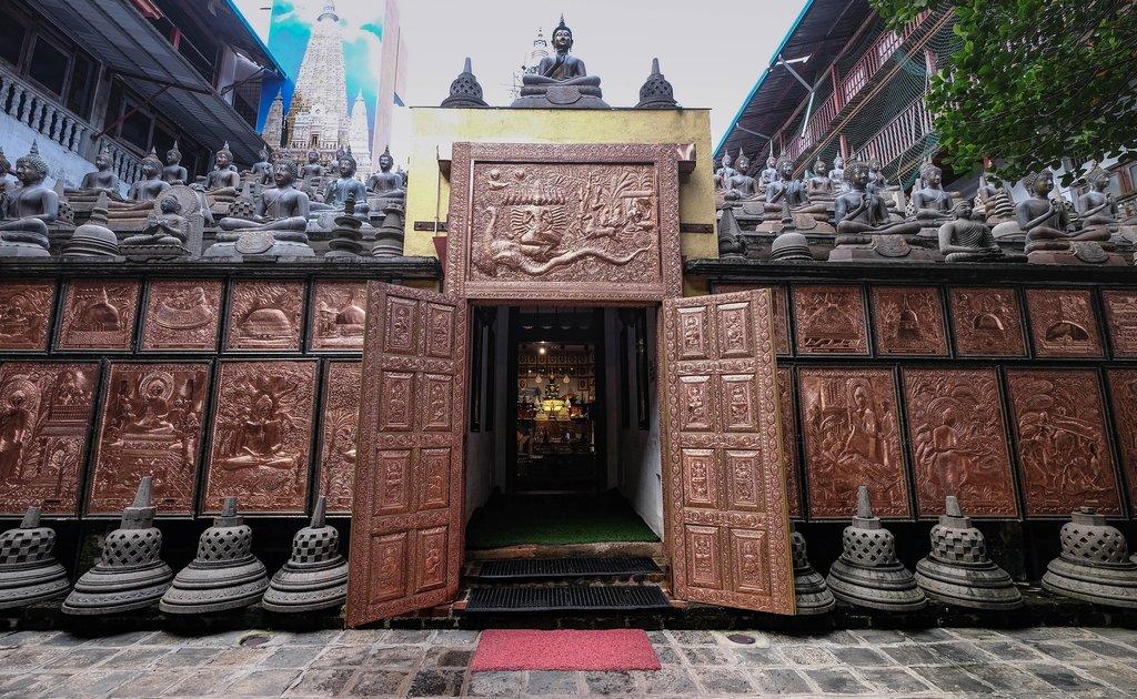 Seema Malaka Temple in Colombo
