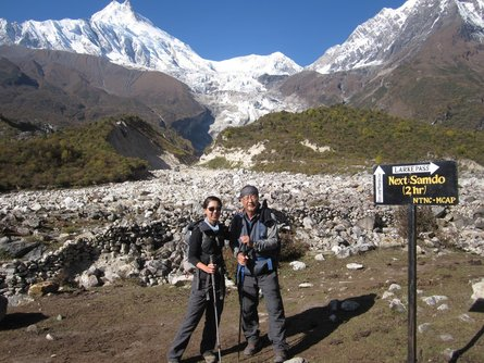On the way to Samdo, in front of Manaslu Peak