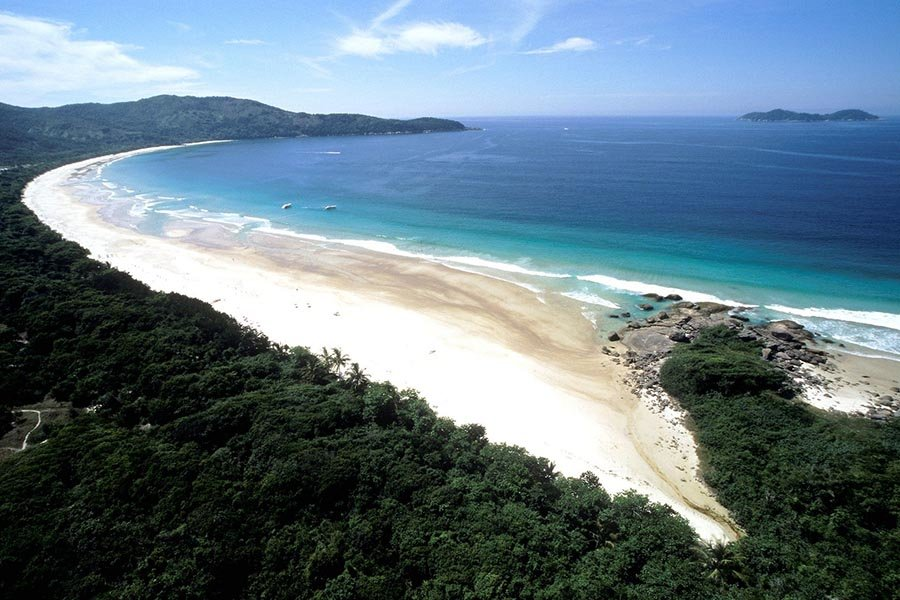 Lopes Mendes, one of the 10 most beautiful beaches of the world