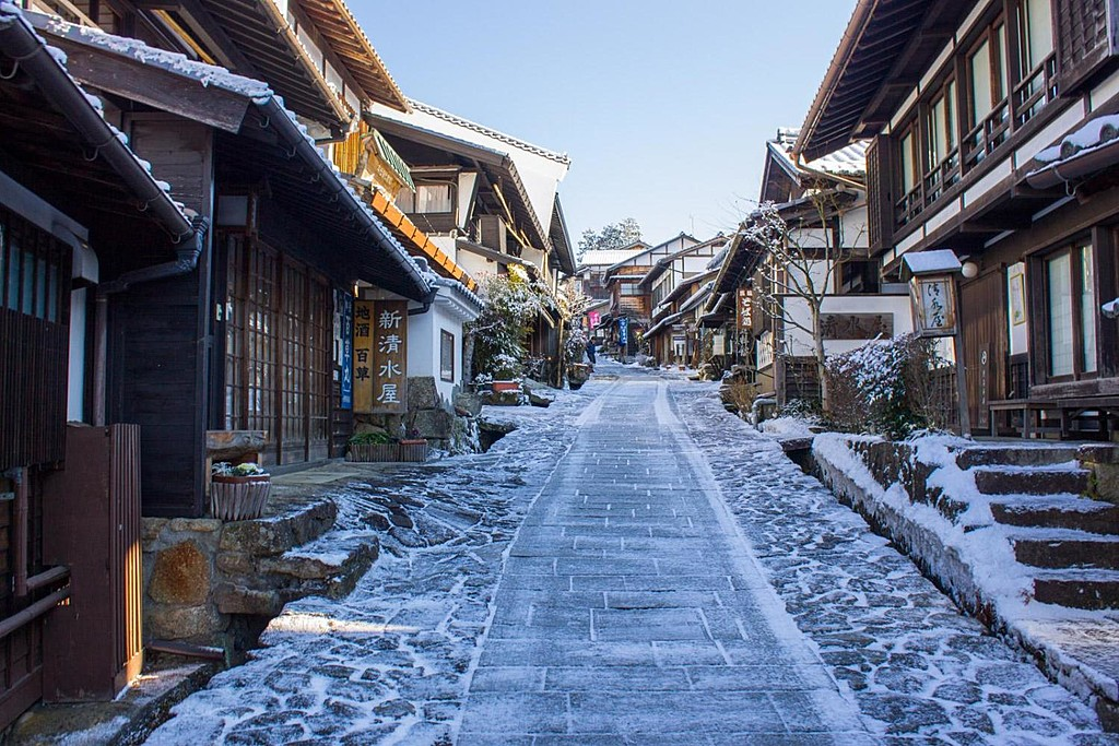A dusting of snow along the Nakasendo Trail leading into Magome.