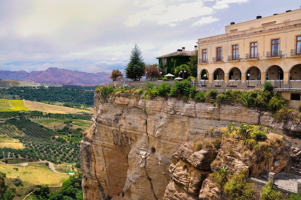 Ronda's spectacular setting atop El Tajo gorge