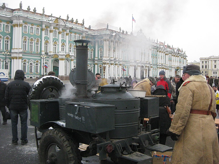 Soviet reenactors in St. Petersburg bring the days of the Second World War back to life