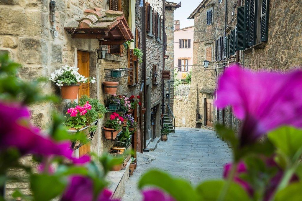 Side street of Cortona