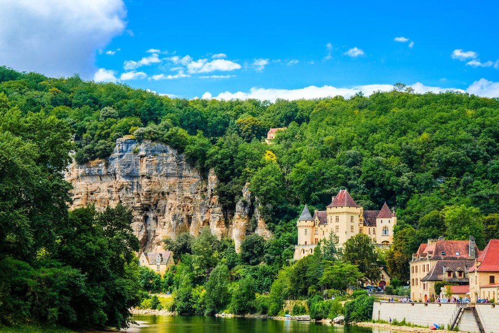 One of the famous perched villages in Dordogne