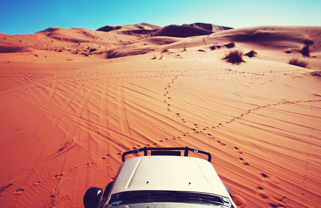 Exploring the desert in a 4x4