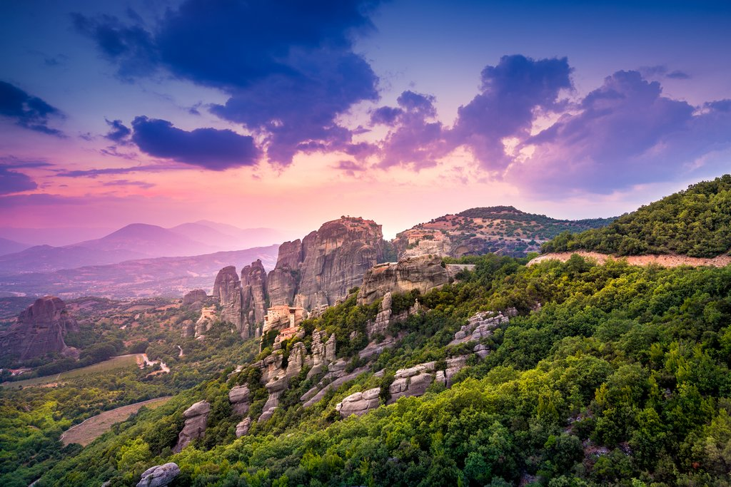 Ultimate Guide to Meteora: Monasteries and Geological Wonders on Mainland Greece