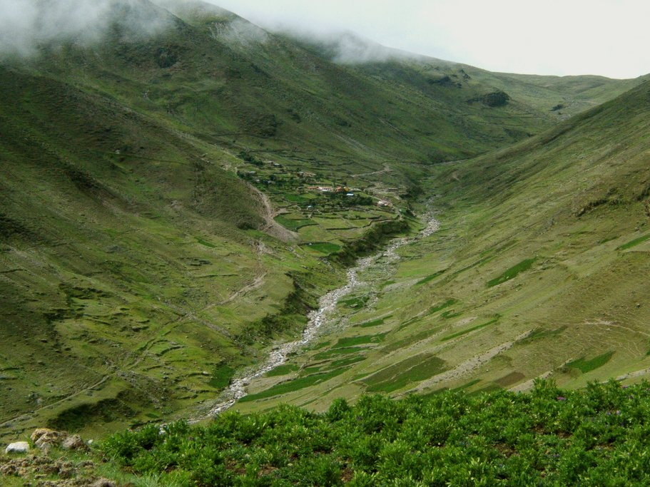 The trek to Kaluyo includes spectacular high Andes scenery