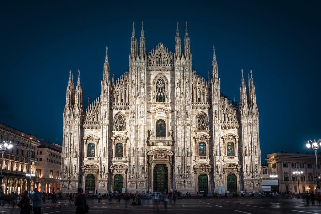 Duomo di Milano at night