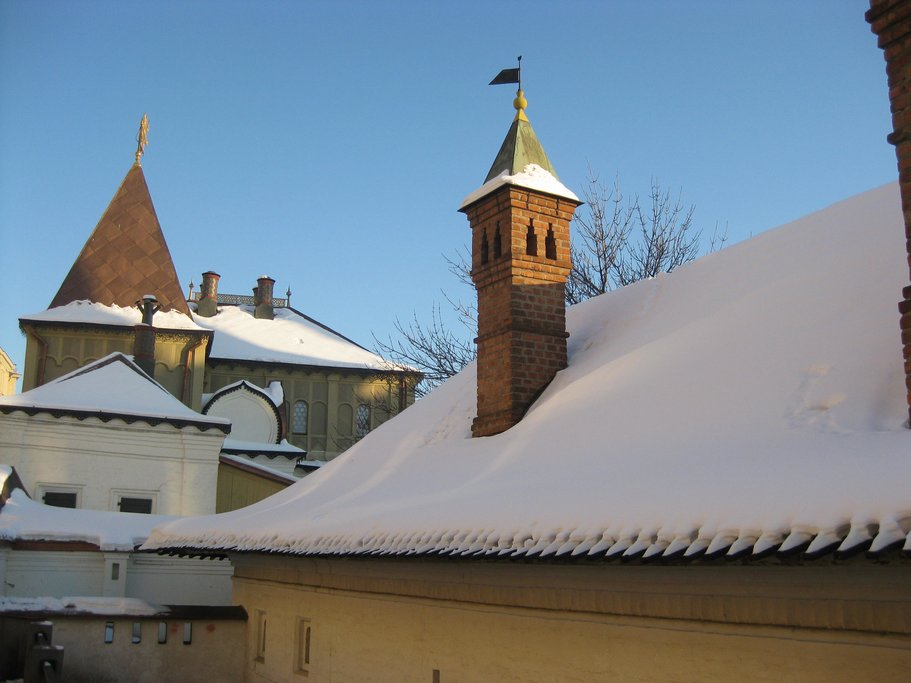 The house of Boyar Romanov in winter