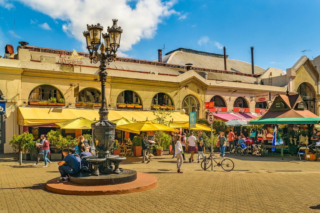 Have lunch in the capital's Port Market