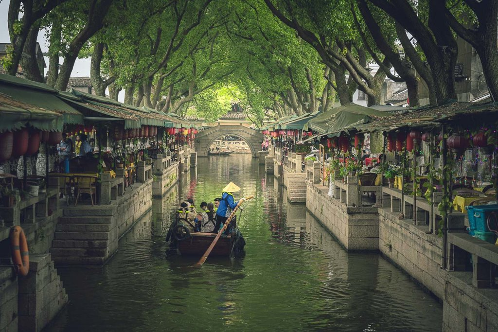 The waterways of Tongli