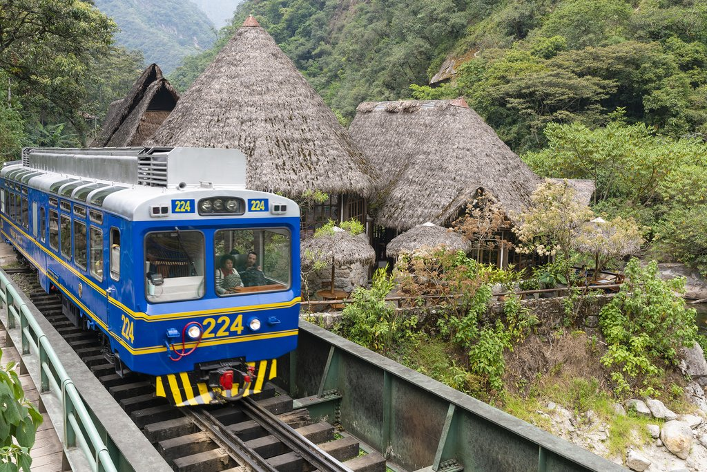 How to Get from Ollantaytambo to Aguas Calientes