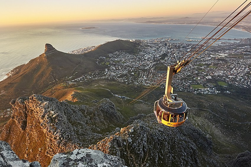 Views of Cape Town from the cable car line