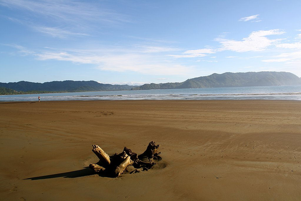 The golden sands of Playa Tambor