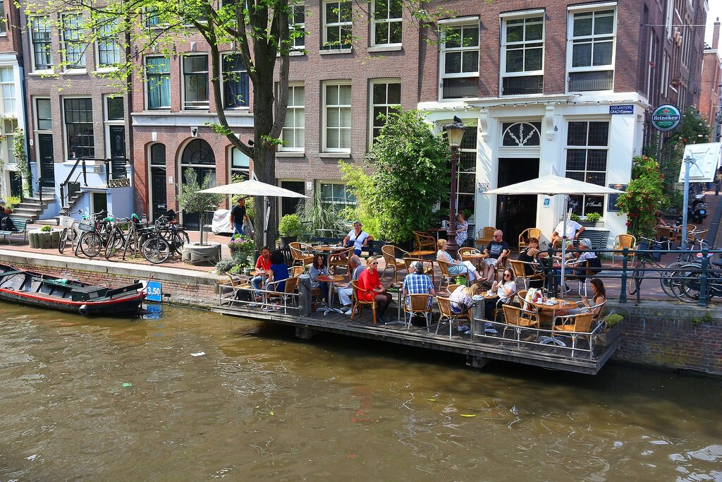 A café on the canals of Amsterdam