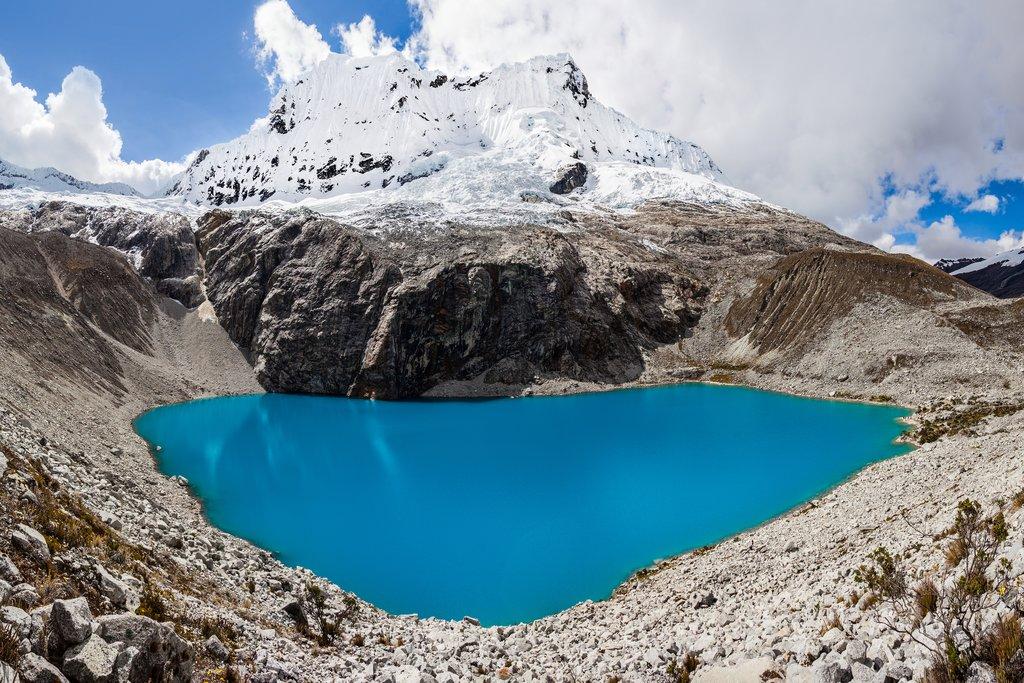 Laguna 69 and Chakrarahu mountain