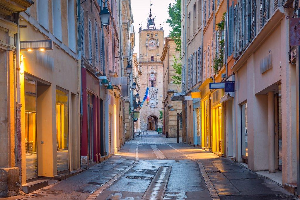 An empty street in Aix-en-Provence